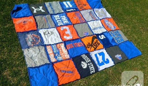 eski-tisortlerden-patchwork-battaniye-modeli