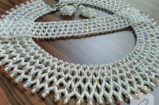 cek-kristallerinden-kolye-takimi