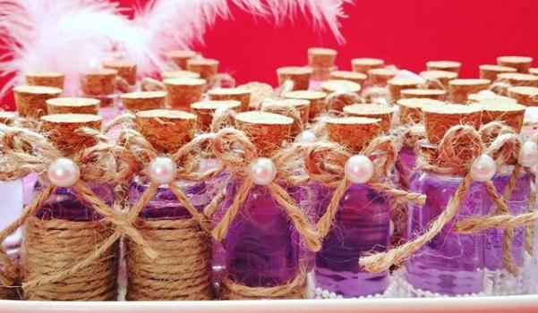 kina-hediyelikleri-mantarli-cam-siseler-2