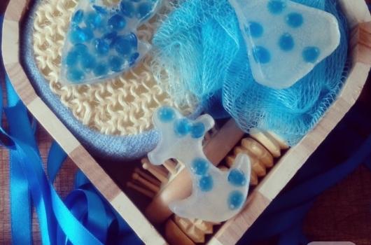 mavi-boncuklu-ev-yapimi-sabun-modelleri
