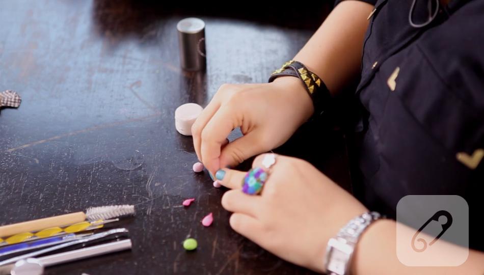 Video  – minyatür fimo pasta nasıl yapılır?-2