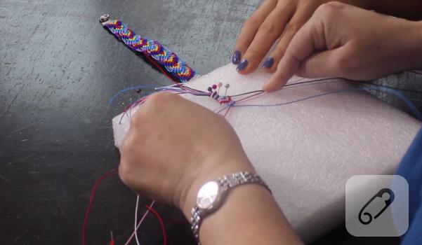 Video: Makrome bileklik yapımı
