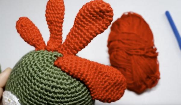 Video: Amigurumi horoz yapımı (ibik örgüsü)