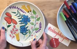 Video: edding ile çiçekli seramik tabak nasıl boyanır?