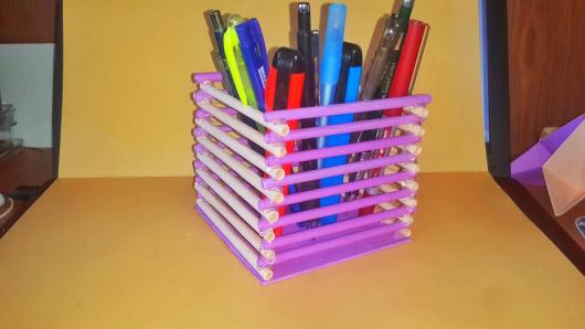 Kağıttan kalemlik nasıl yapılır?