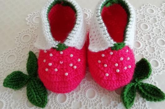 Örgü çilek bebek ayakkabısı yapımı