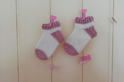 Örgü bebek çorabı yapımı
