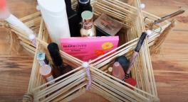 Video: Çöp şişlerden organizer yapımı
